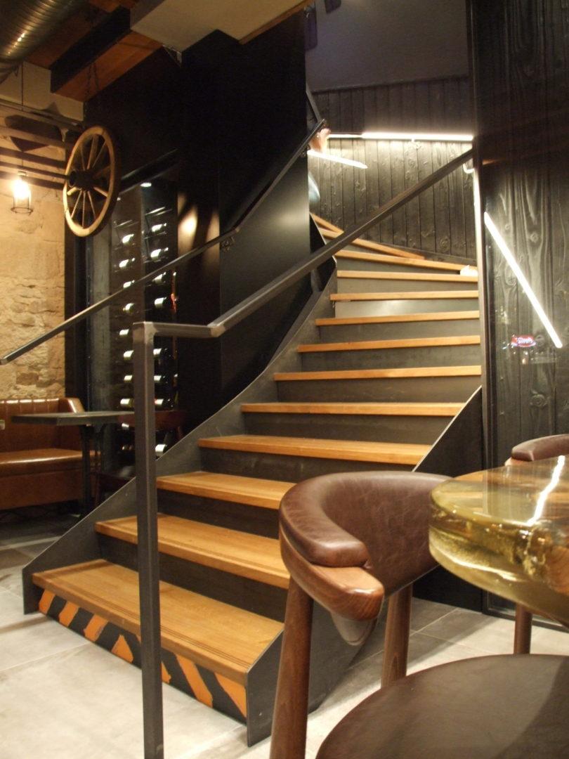 DSCF8472 - Escaliers