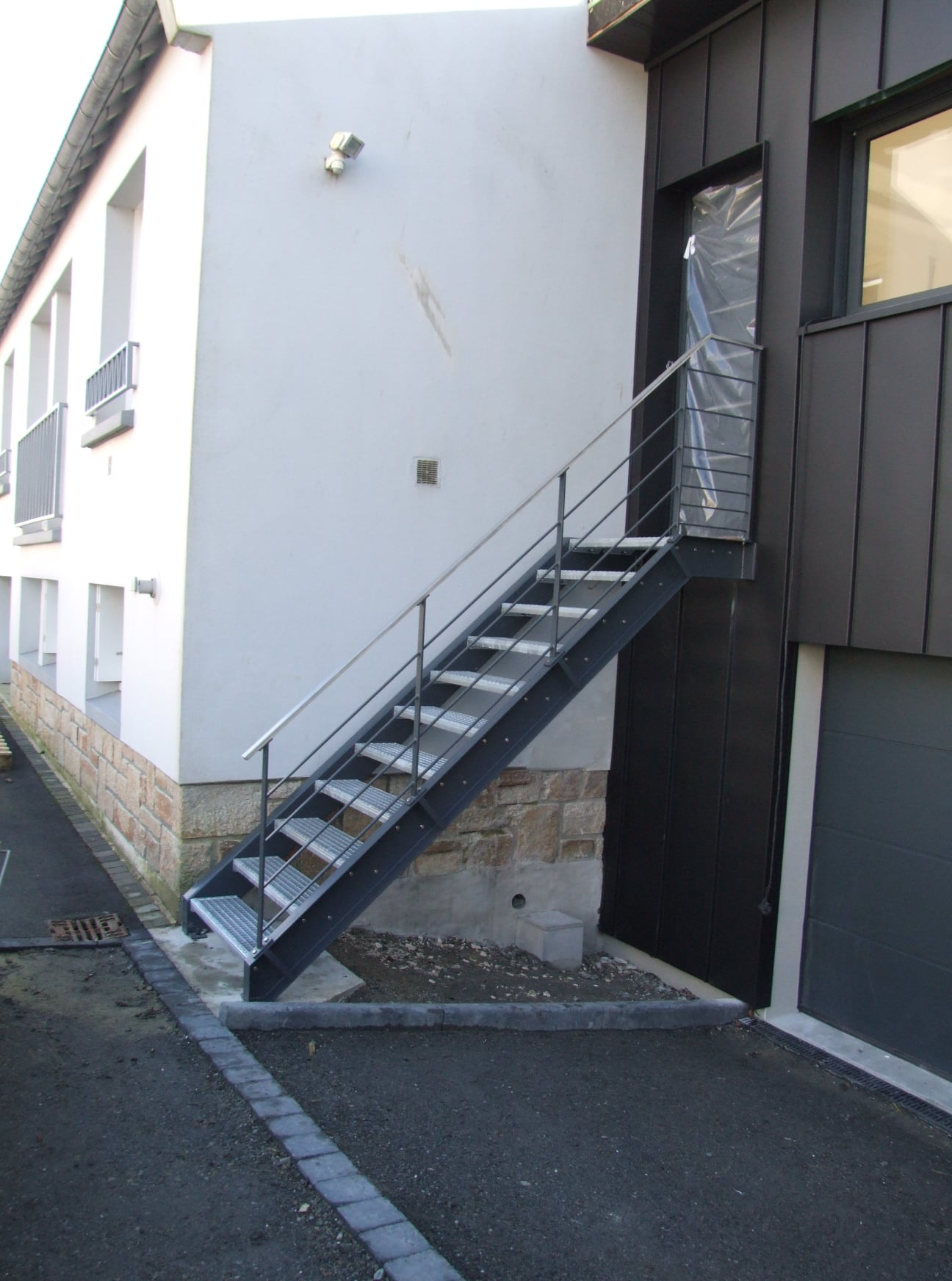 Escaliers extérieurs :